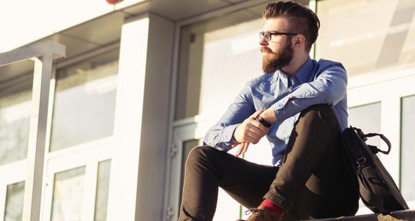 Tại sao những cô gái trẻ ngày càng mê đàn ông lớn tuổi?