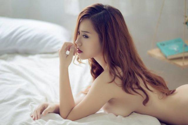Bộ ảnh nóng bỏng của 1 em Hotgirl trên Facebook