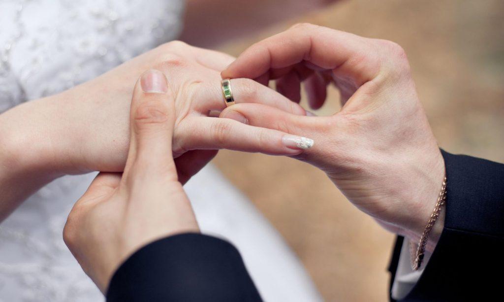 """Phụ nữ chọn chồng, nhất định đừng chỉ vì """"yêu"""""""