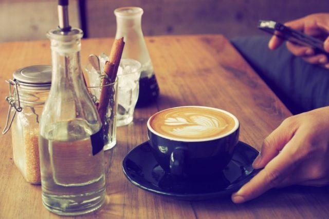Tình yêu cũng giống như cà phê vậy, sau đắng chát sẽ là ngọt ngào