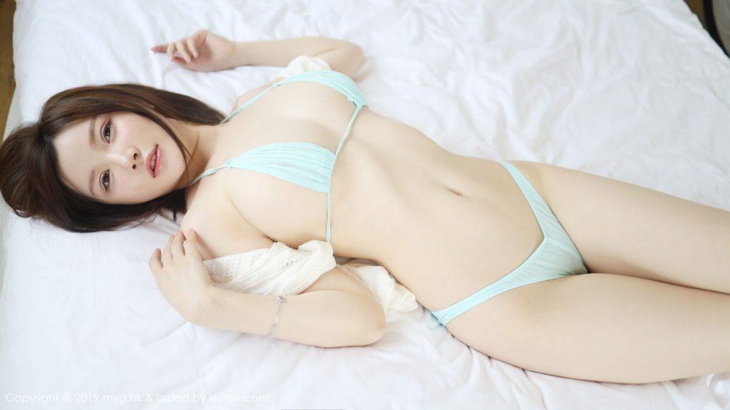 bikini siêu nhỏ và mỏng