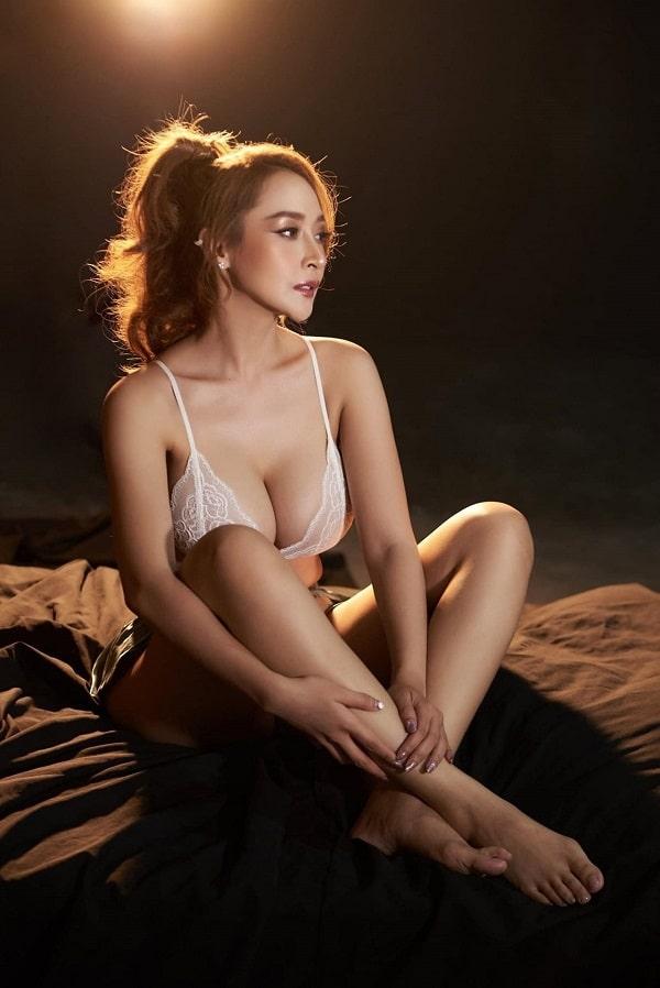 Ảnh gái xinh cởi hết quần áo