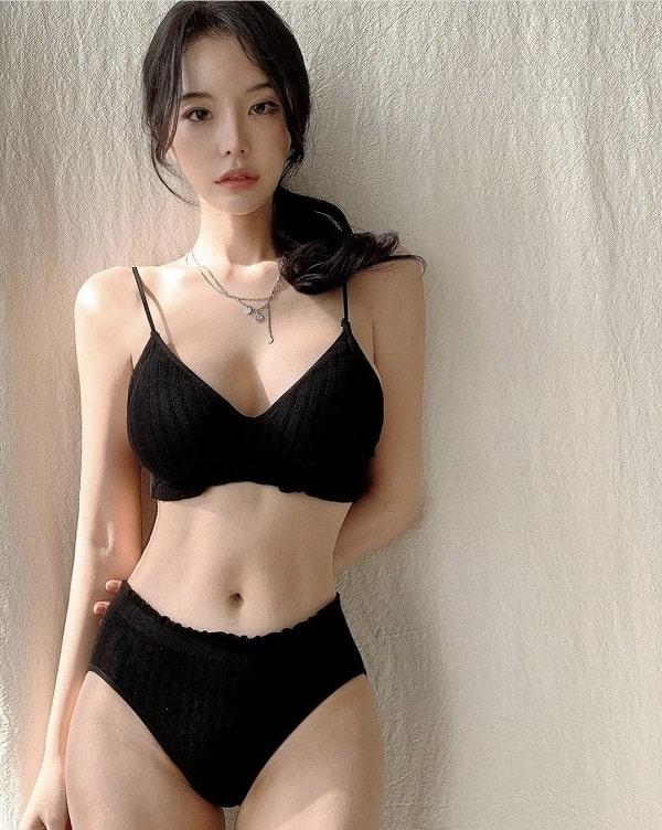 gái xinh mặc nội y