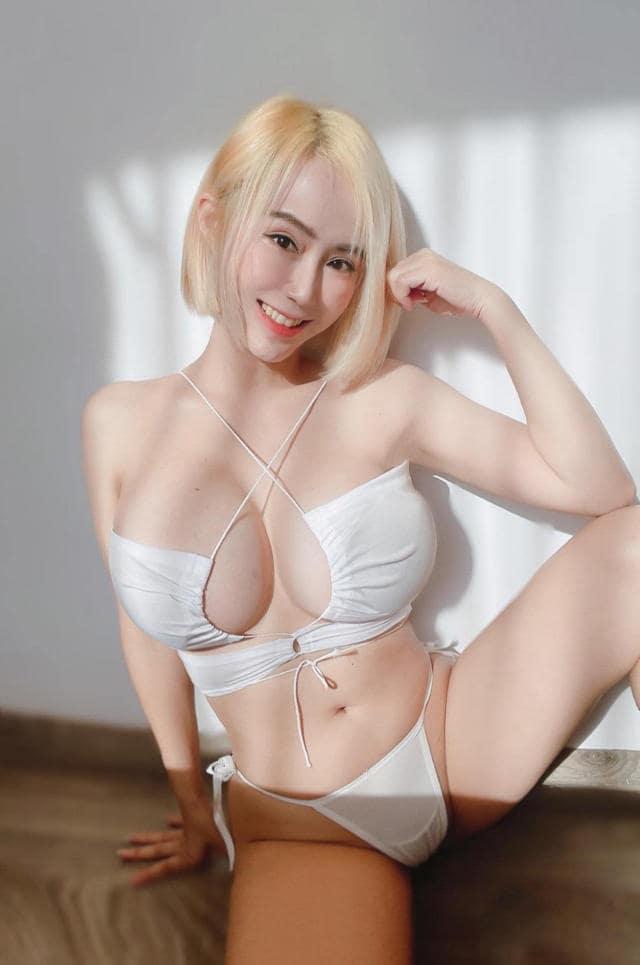 ảnh gái xinh khoe vòng 1 khủng